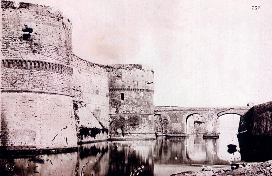 0007 Castello-prime Demolizioni-1880