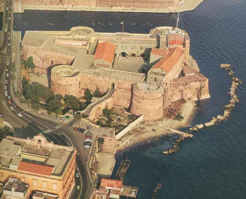 0027 Taranto Aereo Castello