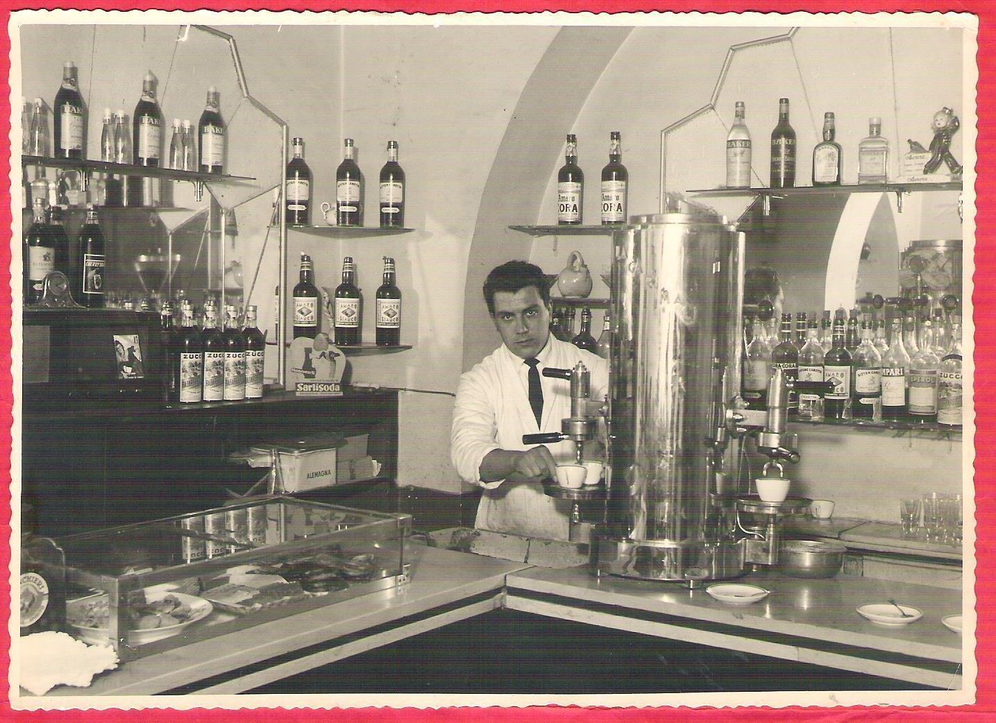 0028 Barista-Bar-Foto Pino-1943