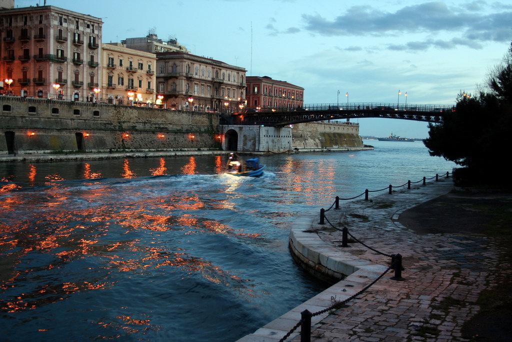 0099 Taranto-canale