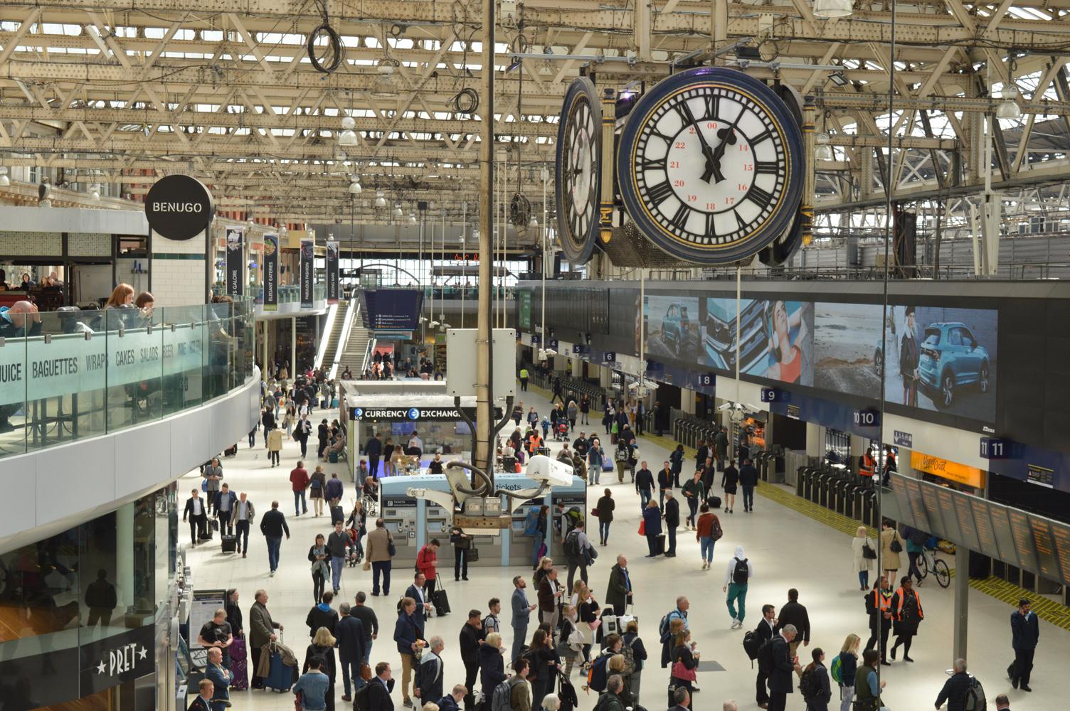 035 Victoria Station. 26.04.2019