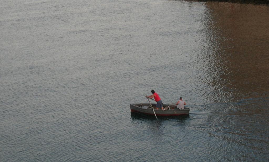 101 Una Barca Nel Canale Navigabile