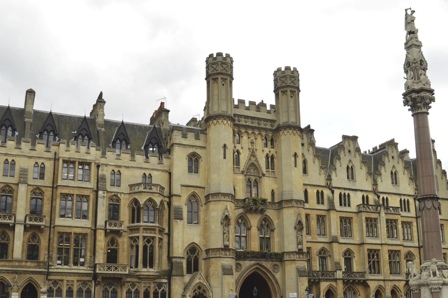 148 Westminster Abbey\'s Area. 26.04.2019
