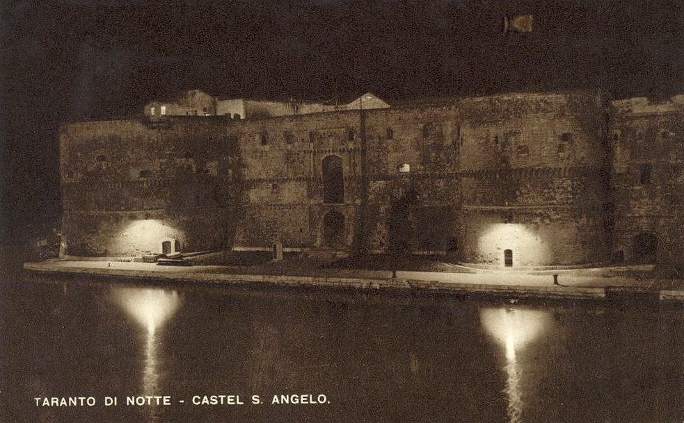 39 Castello Aragonese Notturno
