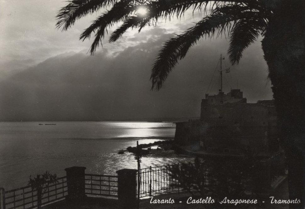 40 Castello Aragonese Al Tramonto