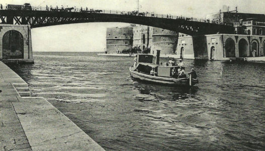 0043 Marinai Nel Canale Navigabile