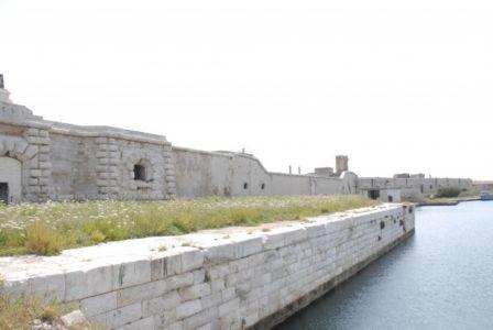 0046  Isola Di S.Paolo-Fortificazioni