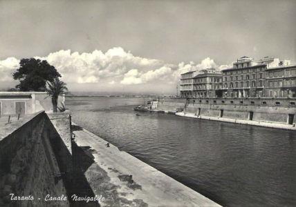 0049 Taranto-Canale Navigabile E Mar Piccolo-1957