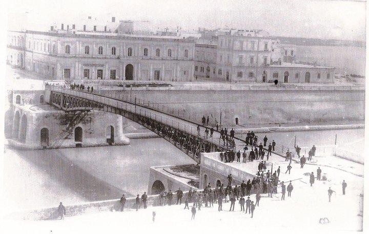 Taranto, Ponte Girevole, 1887